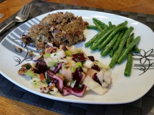 Quinoa burger, green beans and cabbage salad